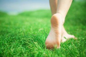 Организм человека начинает стареть с ног