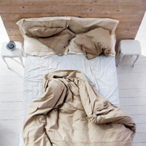 Вот почему не нужно заправлять кровать